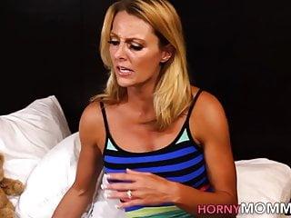 Brenda james fucks Lesbian stepmom fingers