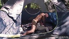 Секс без презерватива в палатке