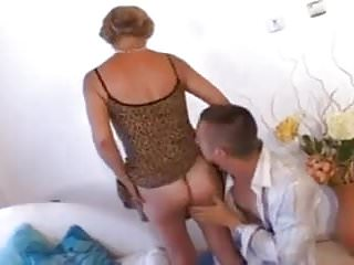 Sexy short hair styles Sexy short hair blonde milf