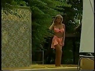 Retro bikini photos - Retro bikini goddess.