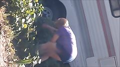 Милфа шпионит за соседкой №2