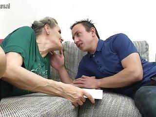Horny mature young - Horny mature slut enjoyin her toy boys cock