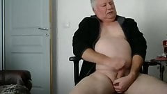 Old man daddy cum on cam 104