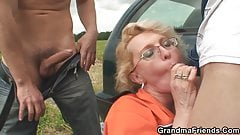 Granny double penetration outdoor