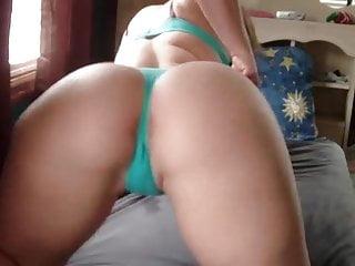 Index of bikini pic Big ass twerking out of bikini