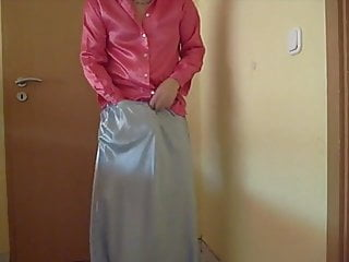 Silk handjob free video - Satin silk handjob on delphine aunty petti coat