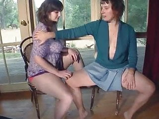 Bottom girls country Shy country hotties masturbate together