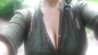 nice fuking slut doing her slefs