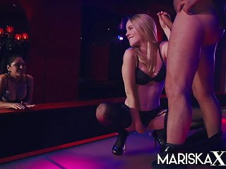 Dicks strip club Mariskax mariska and rose share a dick in the strip club