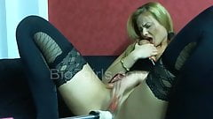 german milf fucking machine hard penetration