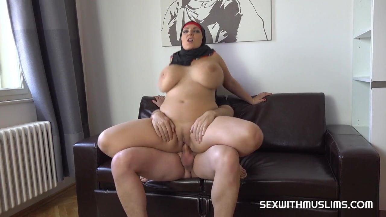 Hot Chubby Girl Getting Fuck