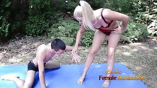 Foot fetish experience by licking and caresses foot outdoor