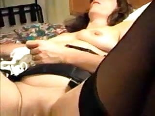 She rubbed his young hard cock Hubby fistfucks his wife, she is rubbing her pussy