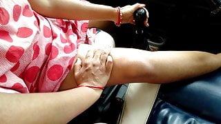 On Valentine Single StepMom Riding Car Gear Shaft Risky Public