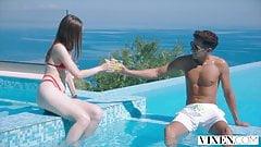 VIXEN - секретный секс в отпуске - лучший секс