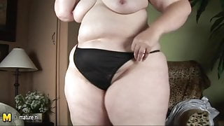 Big booty mature mother do dirty things