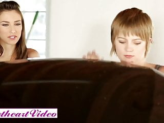 Tomboy nudes Sweetheart video - pixie cut tomboi alani pi eats out