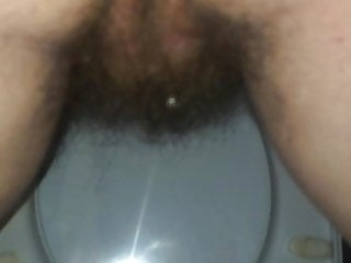 Pissig pussies Hairy pissig toilet