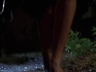 Sarah michelle gellars breasts Sarah michelle gellar - i know what you did last summer