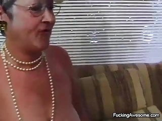 Riped her asshole Granny enjoys getting her ripe pussy banged