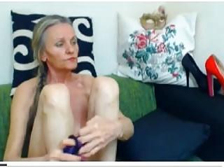 Granny wrinkled tits - Wrinkled grannie