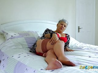 Huge cumshot solo Europemature huge breasts solo action footage