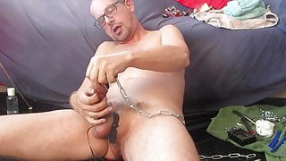 Stretching my peehole and cum