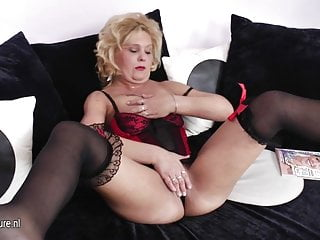 Clit grinding videos - Blonde mature mom grinding on the couch