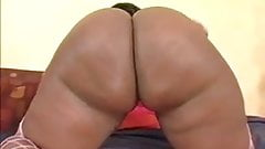 Black Milf with Giant Ass fucks and gets a creampie
