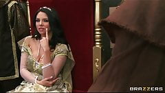 The queen gets caught cheating and is punished with rough-se
