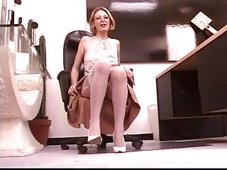 Leggy naked mature Mature leggy blonde spreads her pretty pussy at work