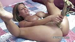 Kinky wife Leeanna Heart uses corn to fuck her hot pussy