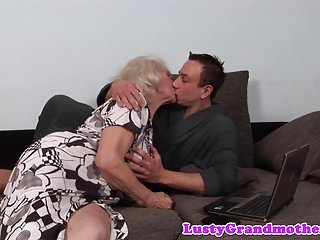 Amateur allure thumbs - Alluring gilf screwed by her young lover