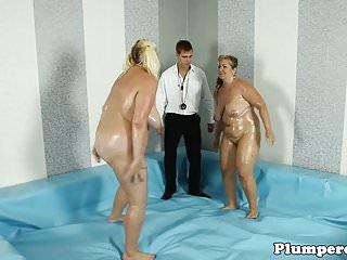 Should you jackoff before having sex - Chunky plumper wrestles before having sex