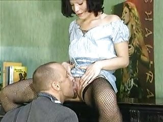 Amateur piano workshop - Hot mature take a piano lesson and a load on her face