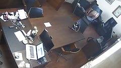 Capo russo scopa segretaria in ufficio cam nascosta