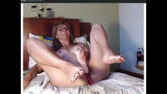 Webcam naughtymaturehot, Massive Squirt on Dildo and pussy..