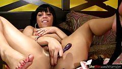 Feminine ebony tgirl reveals and shakes her black bubble ass