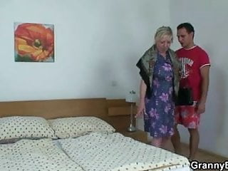 Lady getting fucked nicely Old lady getting doggystyle fucked