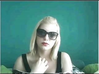 Amateur teen webcamz pics - Webcamz archive - girl with sunglasses flashing chatroulette