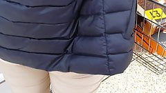 Macocha nie nosi majtek pod legginsami