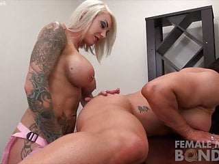 Strap on dildo vidieos Two female bodybuilder porn stars fuck with a strap on dildo