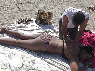 Voyeur man - Nri women nipple slip while get massage by old man on beach
