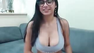Mia Khalifa exclusive cam video masturbation