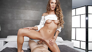 BaDoinkVR Teen Veronica Clark Wakes You Up With Her Pussy