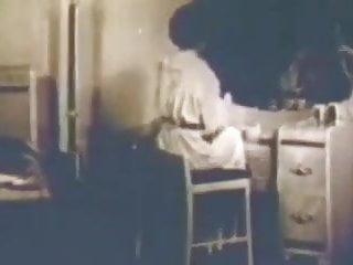 Vintage merle norman powder mellow beige - Powder room to the bedroom