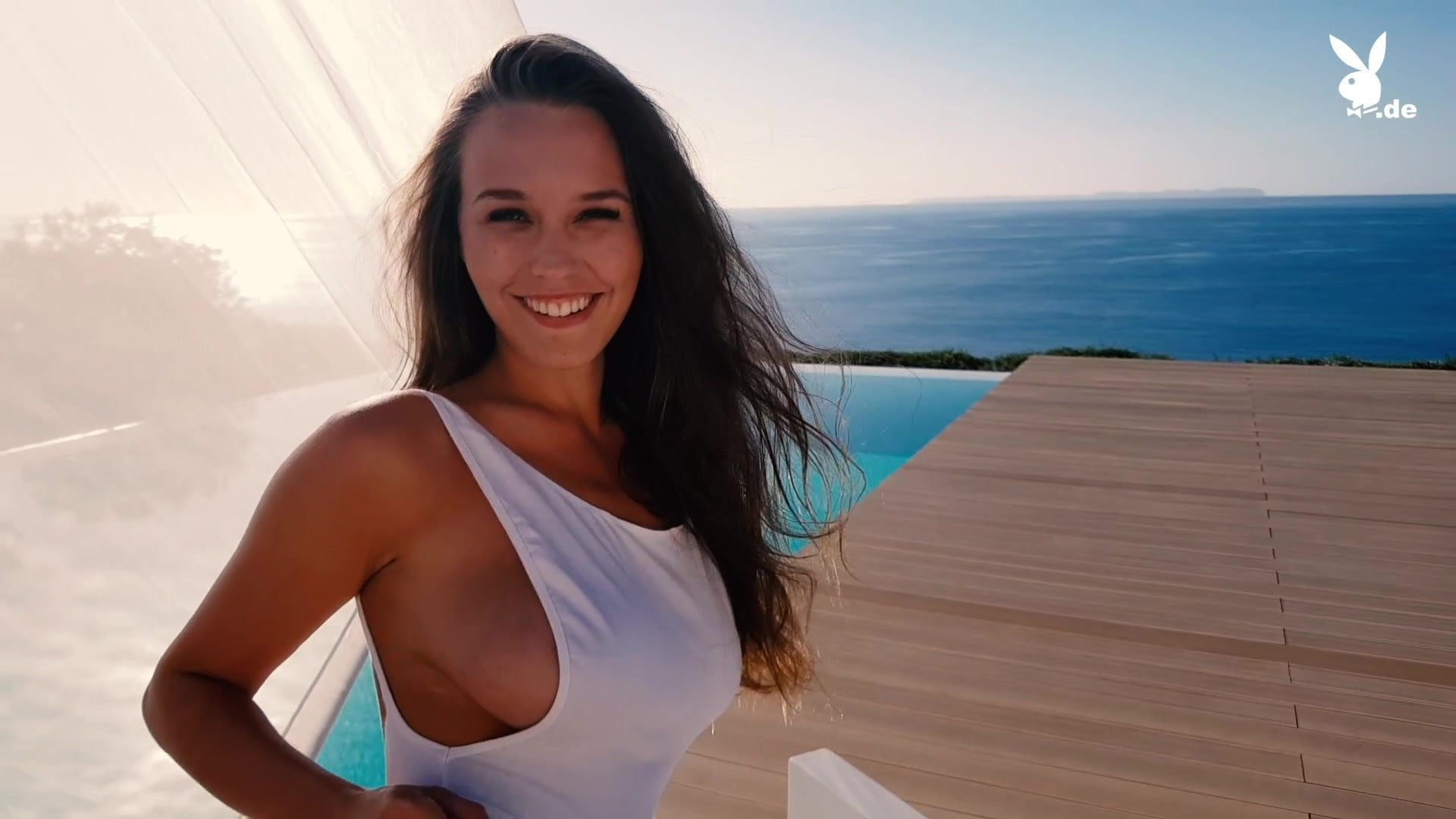 Lisa Mueller  nackt
