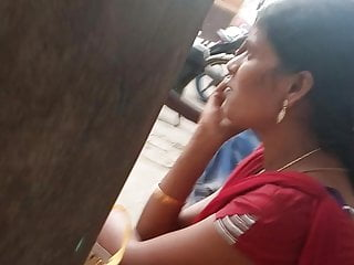 Tamil hot teen Tamil hot married girl showing her curves in busstop