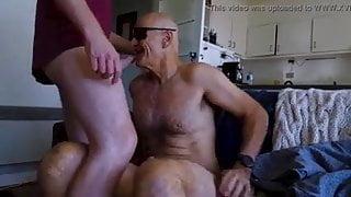 Older daddy sucking his friend big dick