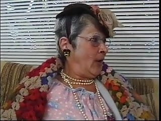 Hairy hunks blow - Older woman blows young dudes hard cock on couch